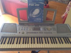 Keyboard -Yamaha Portatone PSR-292