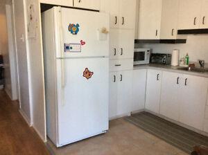 Refrigerateur Et cuisiniere et plus