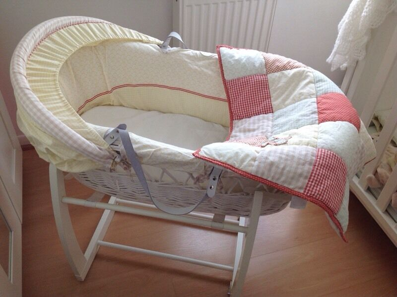 Whirligig Moses Basket with Cover, Mattress, White Wooden Rocking Stand, Fitted Sheets & Pod!
