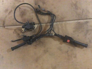 Systeme de brake a huile Brp Mach one 96 , $80  Master cylindre,