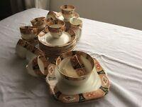 VINTAGE BONE CHINA GLADSTONE 40 PIECE TEA SET