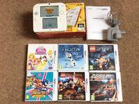 Nintendo 2DS + 6 3DS games