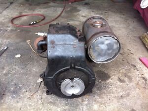 Antique Briggs and Stratton model BR6 Gas Engine