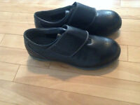 Brand New Hush Puppies Safety Shoes ( Size 10 US )
