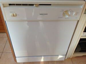 MOFFAT Built in white dishwasher,
