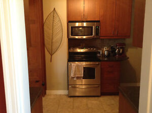 Excellent Location! MINUTES TO DOWNTOWN