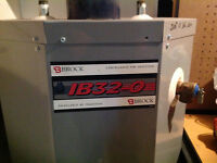 BROCK IB32-0 Hot Water Heater....Oil Fired Excellent Condition