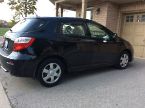 Toyota Matrix 2010 for sale very clean with dealer maintance.