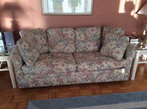 Sofa Bed Buy Or Sell A Couch Or Futon In Gatineau Kijiji Classifieds