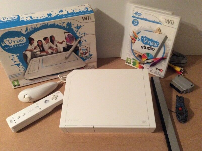 Wii Console Nintendo Original With UDraw Tablet And Accessories