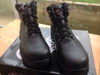 V12 Full Strength Footwear size 9