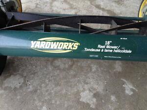"18"" wide Yardworks Reel Lawnmower Kawartha Lakes Peterborough Area image 3"