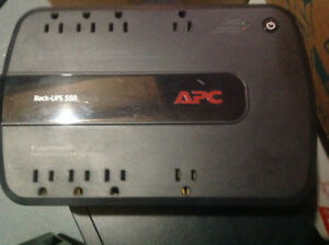 APC Backups UPS 650V Battery backup and surge protector