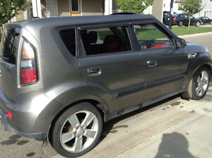 2010 Kia Soul 4U Retro Hatchback - GREAT WINTER CAR