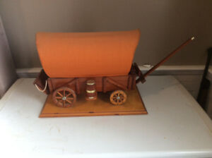 VINTAGE 1950s CONESTOGA WAGON TABLE LAMP