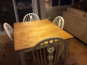 Dining table set with leaf