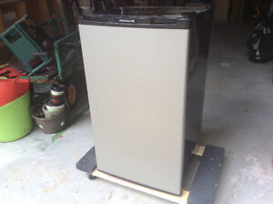 Compact Refrigerator stainless steel/black