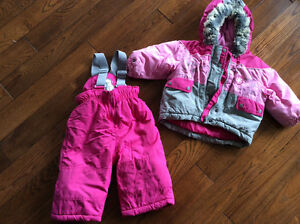 Girls snow suit Kitchener / Waterloo Kitchener Area image 1