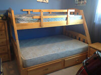 Solid wood bunk beds, chest drawer and night table - NEWMARKET