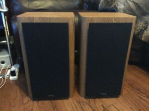 VINTAGE INFINITY RS 3000 STEREO SPEAKERS OAK CABINETS GREAT COND