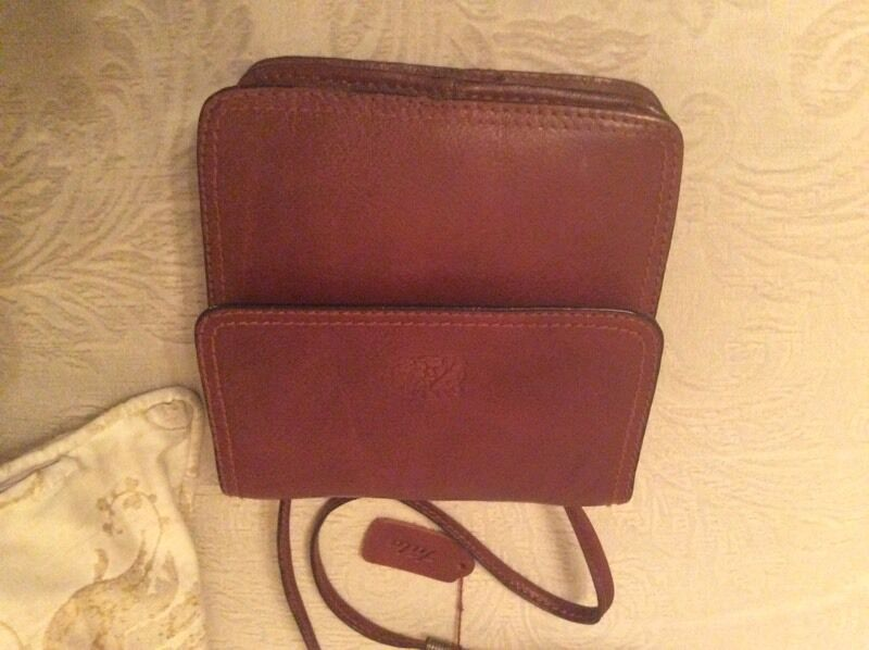 Tula Oakley Cross Body In Mint Slightly Used Condition