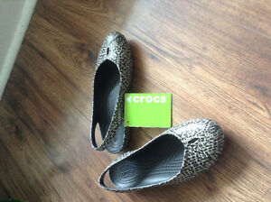 Crocs Olivia Flats - Size 6 - New with tags