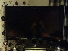 Samsung 1080p HD TV 37 inch £45