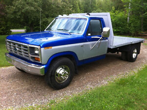 1986 Ford F-350 Flatbed/Dompeur 6.9l diesel très propre!