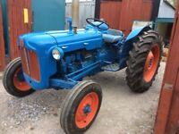 Tractors fordson Dexta