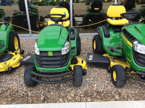 JOHN DEERE NEW 2015 S240 LAWN TRACTOR SAVE $700.00 WITH 42 DECK