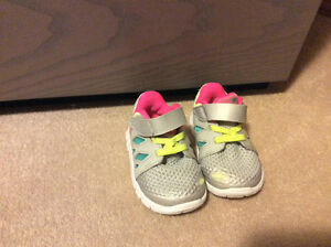 Nike free 5.0 toddler size 4 runner