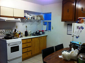 3 Bedroom Unit ideal for Queen's students