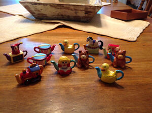 Red Rose Tea Figurines