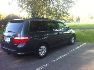 2006 Honda Odyssey EX ,Minivan, VERY CLEAN