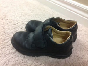 Geox black leather dress shoes - size 13