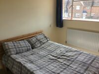 Double room single/couple close to Guildford/Godalming