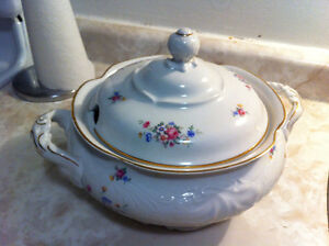 Walbrzych Covered Soup Tureen