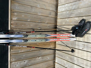 Solomon Cross Country ski and poles and size 9 Boots ladies