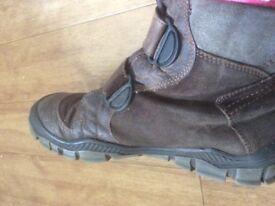 Richter uni sex boots size 7