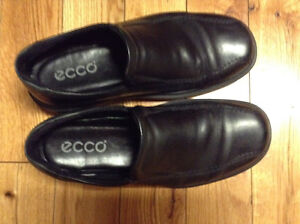 ECCO dress shoes - size 7D London Ontario image 1