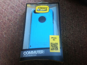 iPhone 5C 8 Gb with Otter Box and accessories Peterborough Peterborough Area image 3