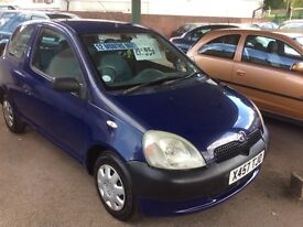 2000 X Toyota Yaris 1.0 S-12 months mot-service history-great value-ideal first car