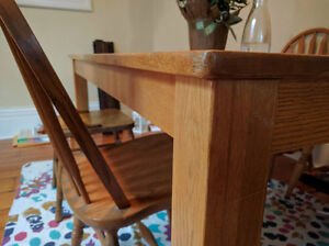 White Oak Dinner Table Great condition Solid