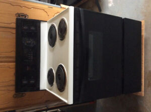 Sale Kenmore Electric Range  Call 634-2644. Excellent Condition