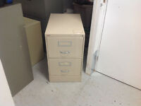 2-DR LEGAL SIZE VERTICLE FILE CABINET