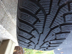 4 pneus hiver avec roues