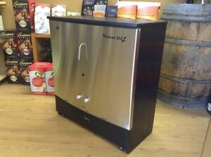 Best Wine and Beer making apparatus...The VINTNER 225L