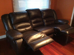 Reclining leather couch Kingston Kingston Area image 2