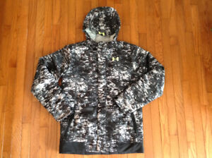 Under Armour snowboarding coat, boys youth XL