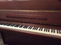 Piano upright